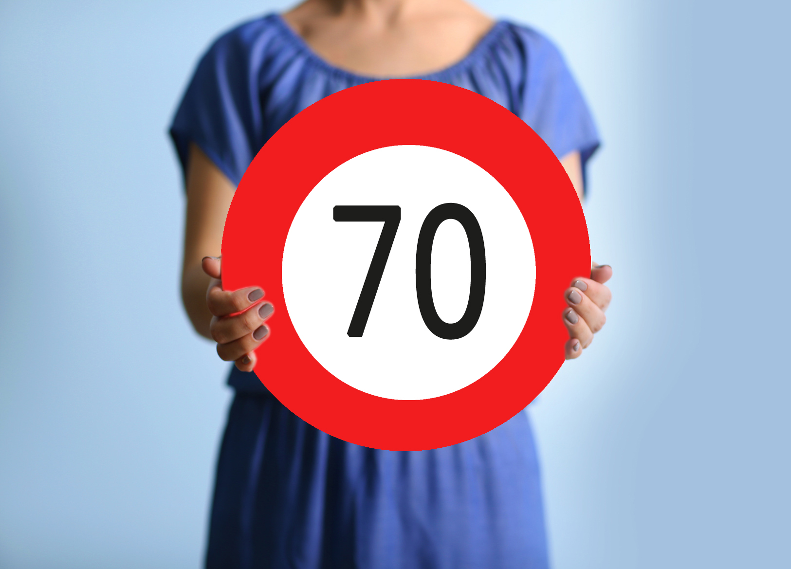 Happy Birthday Zum 70. Geburtstag. Die Verkehrstafel Ist Aus Festem Karton  (2 Mm